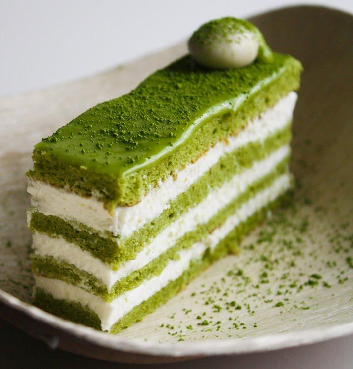 Matcha-Almond Génoise Layer Cake