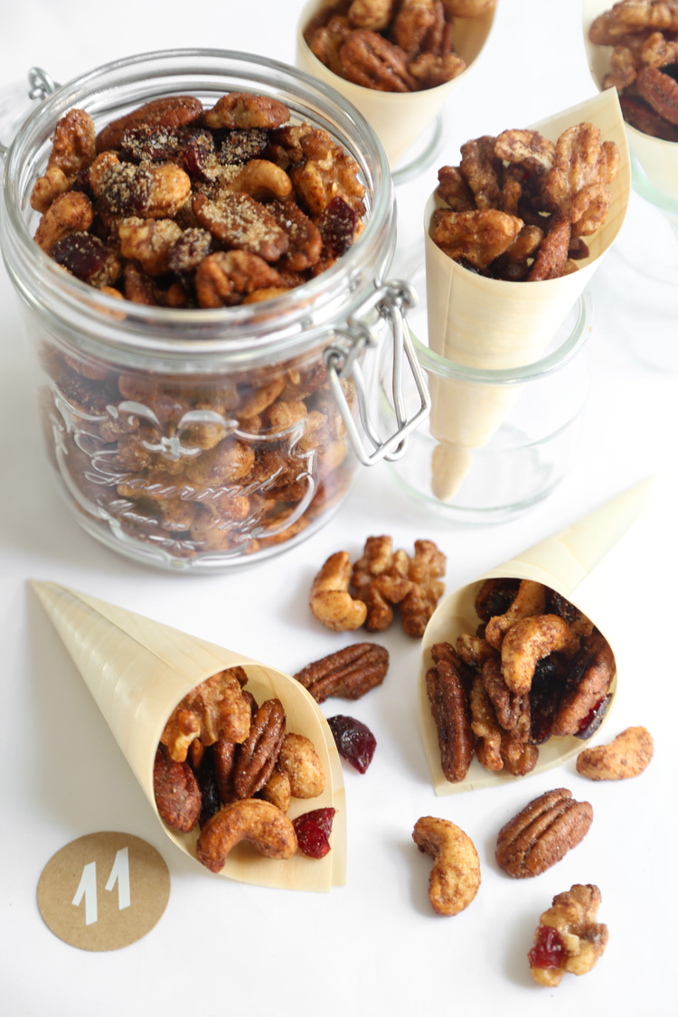 Easy Spiced Party Nuts