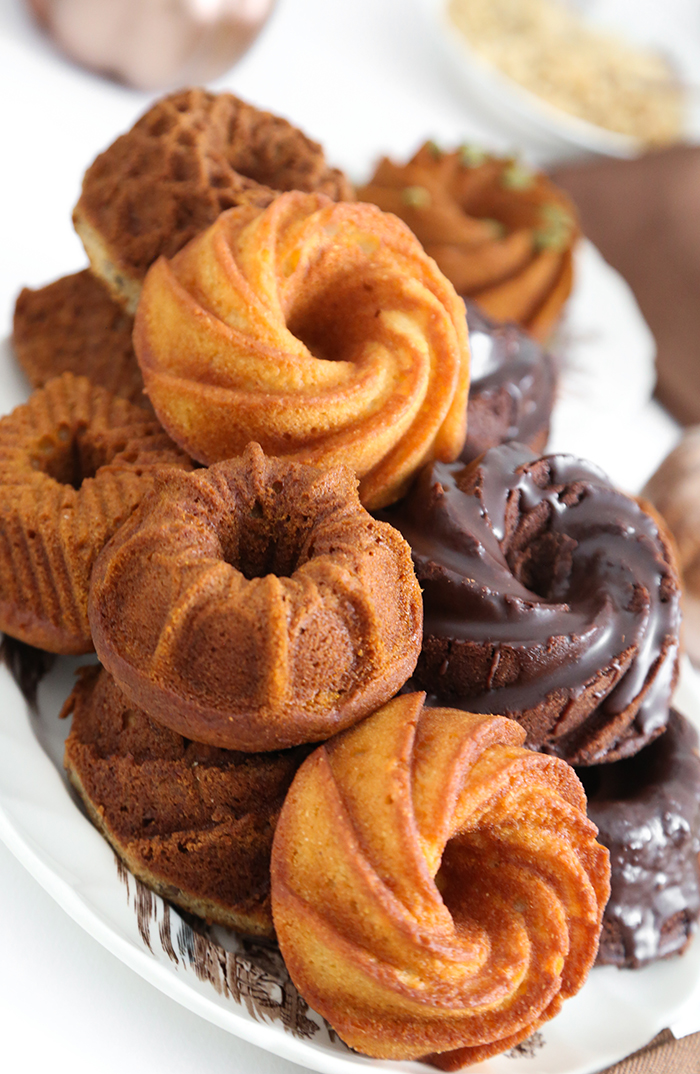 Mini Bundt Cake Bar for Friendsgiving
