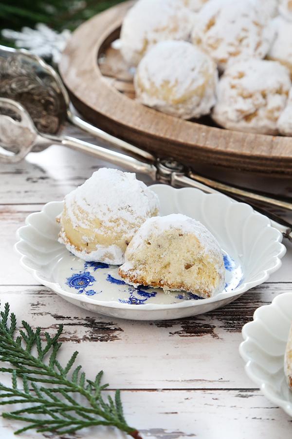 Greek Christmas Cookies Kourabiedes